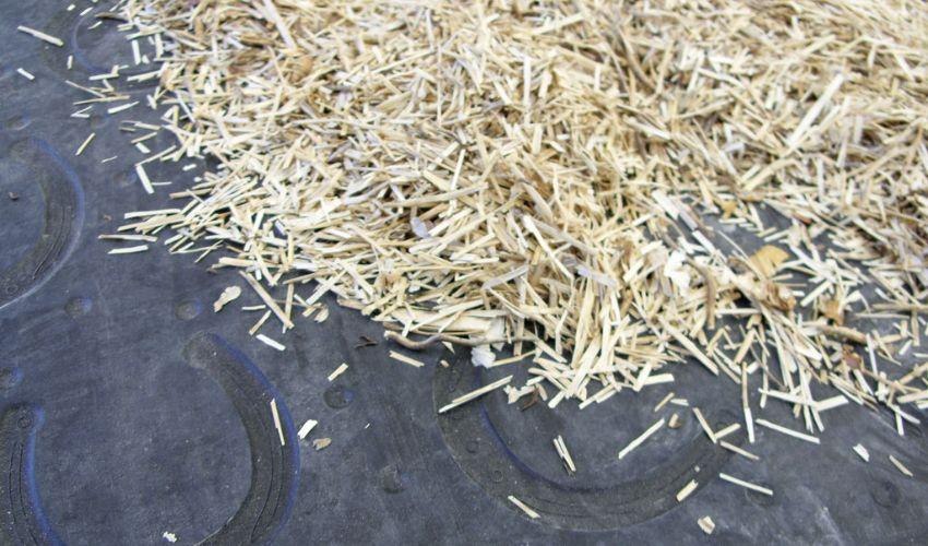 BELMONDO Basic Stallmatte aus Gummi für die Box / Liegefläche im Pferdestall