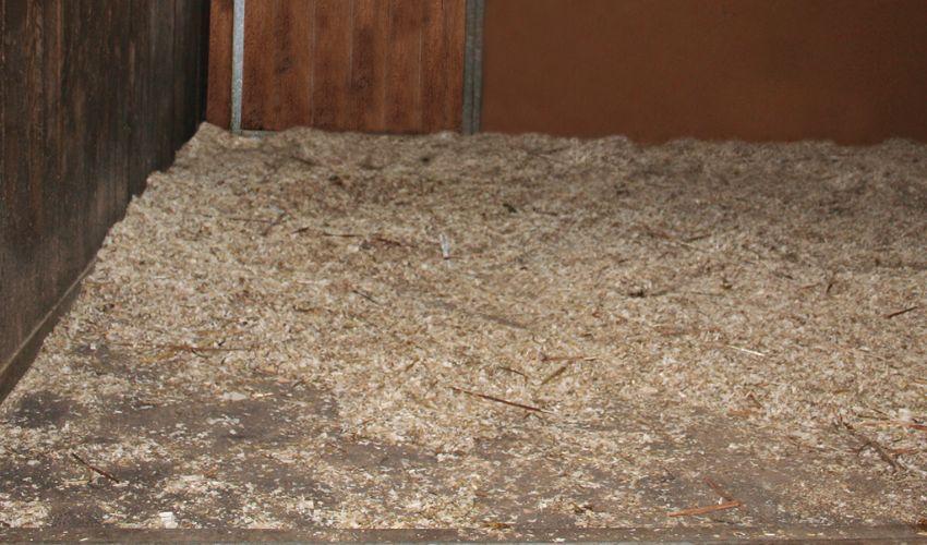BELMONDO Kingsize Cover Boxenbelag aus Gummi im Pferdestall