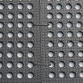 BELMONDO Flix Lochmatten werden einfach mit Kabelbindern aneinander befestigt