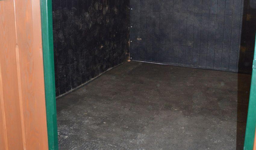 BELMONDO Basic Pferdematte aus Gummi für die Box / Liegefläche im Pferdestall
