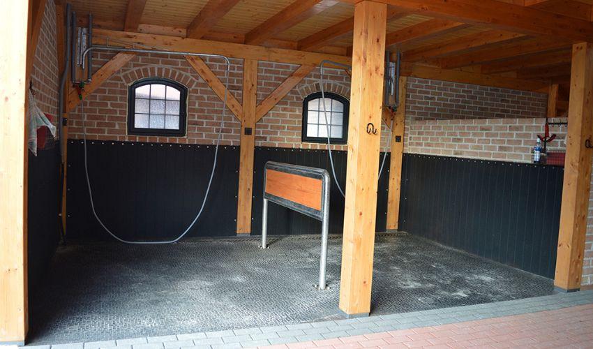 BELMONDO Walkpro Stallmatte aus Gummi im Pferdestall