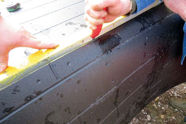 cutting BELMONDO rubber mats for horse keeping - e.g.  with a carpet knife