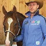 Ludwig Quarter horses stand on BELMONDO