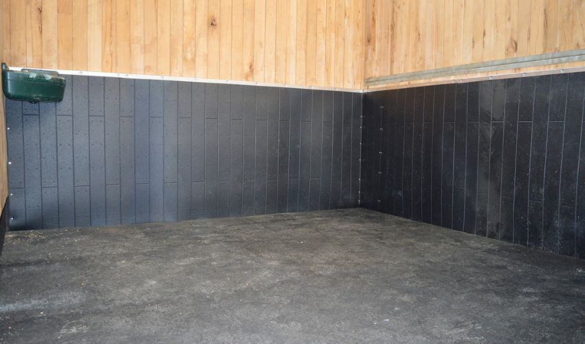 BELMONDO Rodeo impact protection mat made of rubber for horse stables