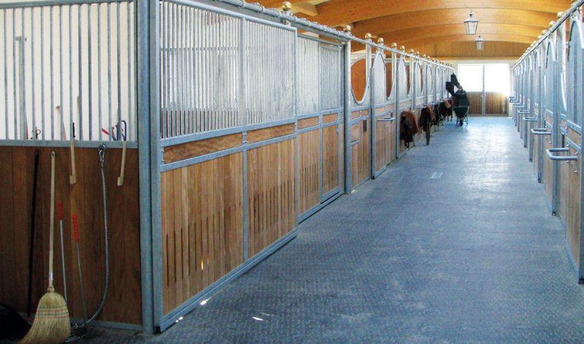 walkway in horse stable with slip proof BELMONDO Walkway rubber flooring